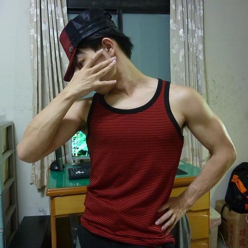09 戰利品之一,紅黑格紋軍網帽