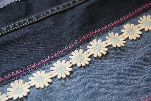 denim tote trim detail