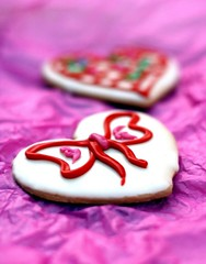 Love Cookies (7oO7oO) Tags: pink red cute love cookies yummy cookie heart sweet girly sugar biscuit icing biscuits kuwait 2008 heartshaped 7070 7oo7oo
