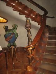 Stairway, Casa Batll (Wallingford bloke) Tags: barcelona spain gaudi casabatll