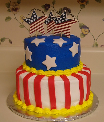 fourth of july cakes or cupcakes. Flag tier cake