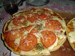 Pizza (Los del Tala) Tags: city trip travel family camping parque winter friends summer vacation food naturaleza sun mountain lake snow amigos primavera nature argentina familia kids river garden relax fun casa hostel spring holidays honeymoon weekend nieve comida fiestas piscina nios lagos viajes verano cordoba otoo invierno eden sierras asado pesca senderismo vacaciones rios bungalow hoteles montaas reserva cabaas aventura diversion parapente cabins montes lacumbre ecologia autoctono cascadas cosquin vallehermoso villagiardino internationalfood lafalda valledepunilla huertagrande borques hosterias cabaasdeltala
