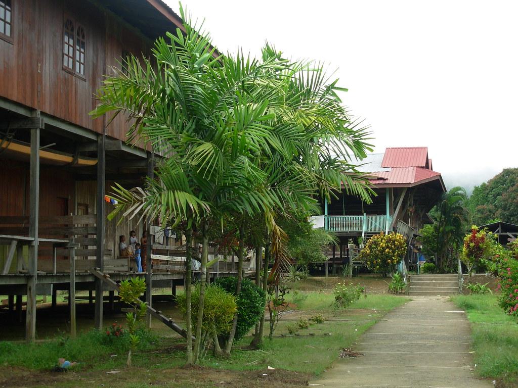 Sarawak-Belaga-LHouses (63)