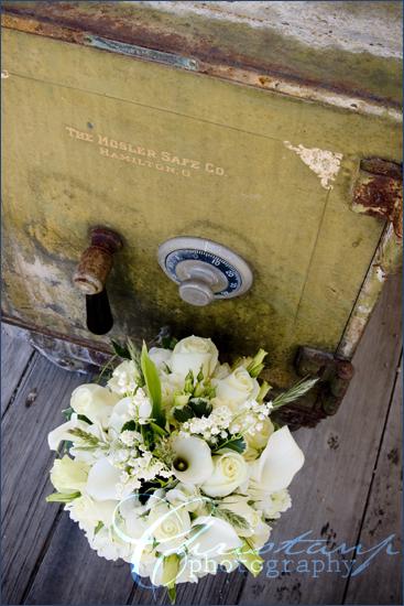 ChristanP Photography - Wedding Flowers