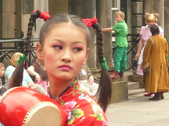 Edinburgh Fringe: Drum-Drama (chairmanblueslovakia) Tags: street girls cute festival female asian scotland high edinburgh all dress drum chinese band silk royal fringe pigtails drama mile
