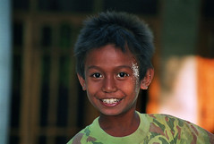 A smiling boy in Indonesia. (cookiesound) Tags: indonesia indonesian portrait smile boy child portraitworld cookiesound canon flickrsfinest trip cavation holiday summer travel travelling vacation face portraits portraitofpeople faceexpression eyes children kids kid childhood facecloseup closeup poeple life facialexpression asien urlaub reisen reisetagebuch reisebericht reise canoneos sand portraitofaboy childportrait travellingindonesia travellingasia lifeinindonesia indonesiankid photography travelphotography reisefotografie travelphotos travellifestyle traveldiary nisamaier ulrikemaier fotografie reisefotos travelshots