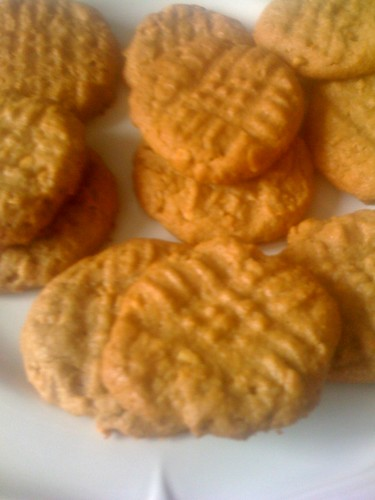 3 ingredient peanut butter cookies! Yes ONLY 3!!!