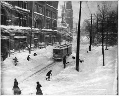 Stormy day, St. Catherine Street, Montreal, QC, 1901 (Muse McCord Museum) Tags: street winter snow canada montral hiver qubec neige rue tramway stecatherine 1901 mccordmuseum musemccord commons:event=commonground2009