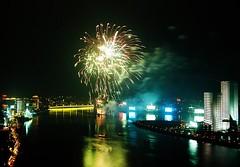 Covered in Stars (EpicFireworks) Tags: light stars firework burst pyro 13g epic barrage pyrotechnics