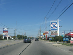 road and power lines in Fairview Heights, IL (by: straightedge217, creative commons license)