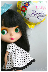 Corinthia (r e n a t a) Tags: birthday portrait macro canon toy doll brinquedo candle chocolate hobby birthdaycake blythe  brunette boneca vela goldie aniversrio takara allgoldinone coleo bolodeaniversrio happybirthdaybeatrice