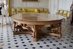 Salon des Seigneurs - Le Grand Trianon (l'apple-cafe) Tags: france versailles chateau marieantoinette grandtrianon trianon seigneurs châteaudeversailles reinemarieantoinette salondesseigneurs