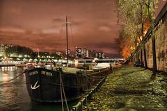 Pniche sur Bord de Seine (Julien Blog) Tags: paris seine pniche
