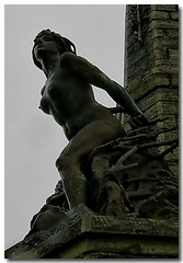 Buxom Statue! (Brian The Euphonium) Tags: hat wheel statue nuts chapel aberystwyth pegs buxom scammel welshflickrcymru wfcaber2008