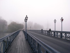 Foggy morning in Stockholm (Staffan_R) Tags: city morning bridge autumn fog europe sweden stockholm foggy scandinavia veniceofthenorth flickraward beautifulstockholm capitalofscandinavia beautyonwater flickraward5