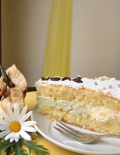 Torta con le margherite e chantilly al limoncello e bergamotto