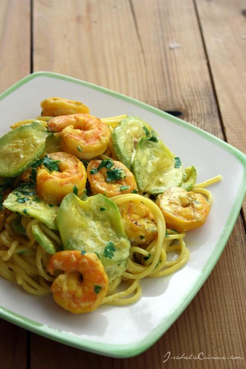 Spaghetti cu calamari, dovlecei si sofran