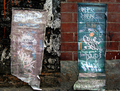 nevs' small graffiti doors