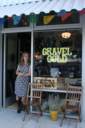 lisa at gravel  & gold