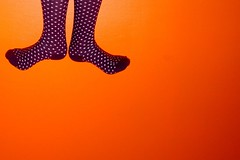 iupi! (Honey Pie!) Tags: orange feet colors socks cores happy purple laranja violet colores bolinhas ps feliz marypoppins meias roxo highsocks oba iupi eba