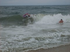 Riding the waves (Tappel) Tags: obx 08