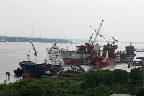 Nanjing Yangtze Shipyard (by niklausberger)