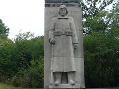 Kriegerdenkmal 1 (spuren-der-kriege.de) Tags: germany deutschland skulptur ww1 warmemorial soldat memorials saar rheinlandpfalz 1weltkrieg kriegerdenkmal wiltingen unteressaartal