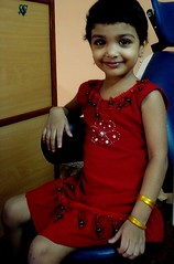 Angel....she is an angel.... (ArunaR) Tags: india beauty smiling angel sony kerala patient clinic aruna thrissur dentalclinic irinjalakuda