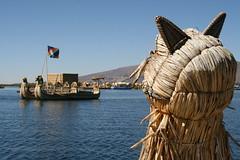 straw boats (Carolitas) Tags: peru laketiticaca titicaca cat totora boat straw gato float palha islas floatingislands flotantes