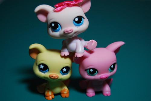 Three Little Pigs by thatlunagirl.