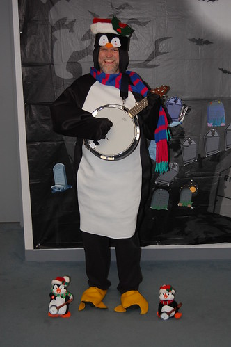 2008 Banjo-Playing Penguin 2
