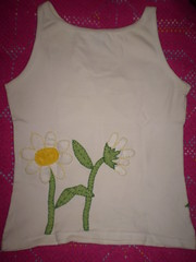 Camiseta customizada com feltro (Valria =^. .^=) Tags: e feltro bordados camisetas acessrios customizar aplicaes patchcolagem customisadas
