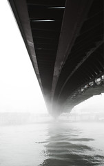 calatrava a venezia (adele sarti) Tags: bridge venice bw white black canon eos ponte calatrava venezia blackdiamond 400d