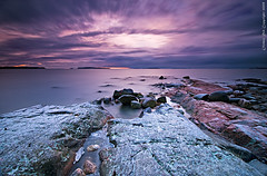 Frosty rocks (Rob Orthen) Tags: longexposure sea sky snow rock sunrise suomi finland landscape dawn helsinki nikon europe frost scenic rob tokina 09 nd scandinavia meri maisema vesi syksy pinta d300 uutela gnd 1116 nohdr orthen leefilters roborthenphotography tokina1116 tokina1116mm28 seafinland
