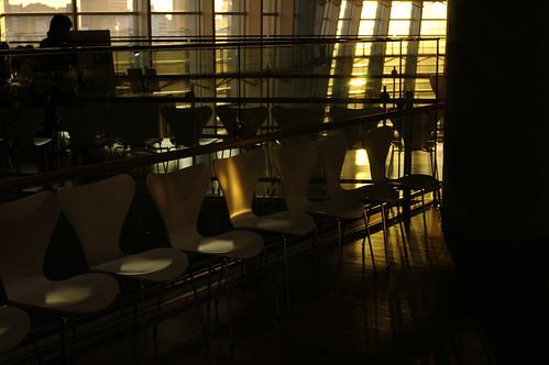 六本木・光と影