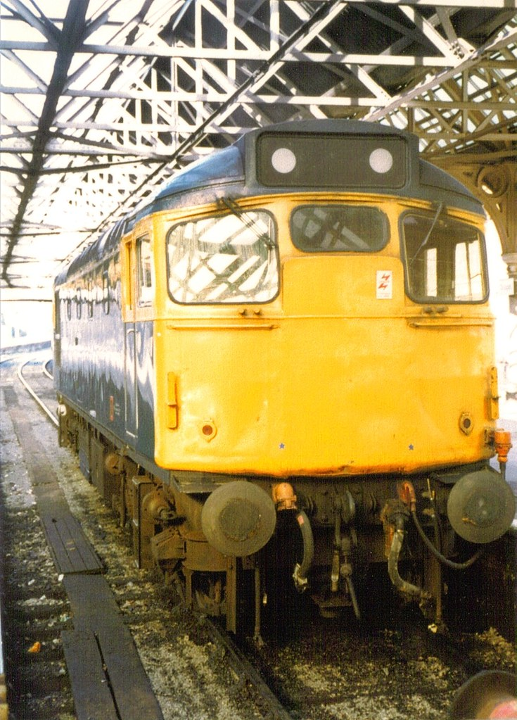 27 012 Dundee 05-08-83