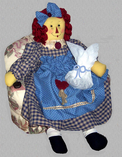 raggedy-ann-with-cookies-gray-background