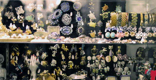 estate jewelry+vintage jewels