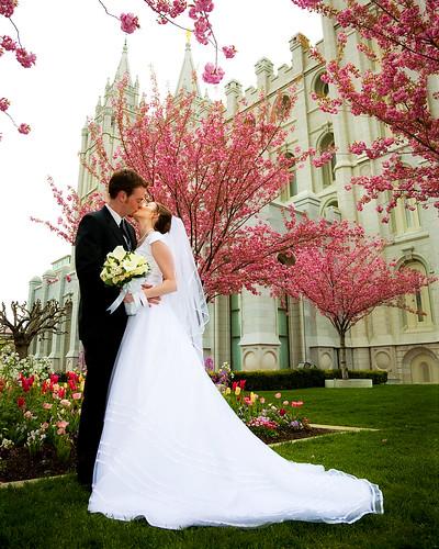 Leggnets digital capture wedding kiss wedding kiss junglespirit Choice Image