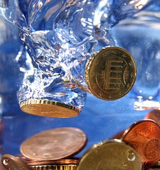 Time for some money laundering (Harpagornis ~away~) Tags: blue money macro water fun coin action euro cent bubbles splash moolah macromondays
