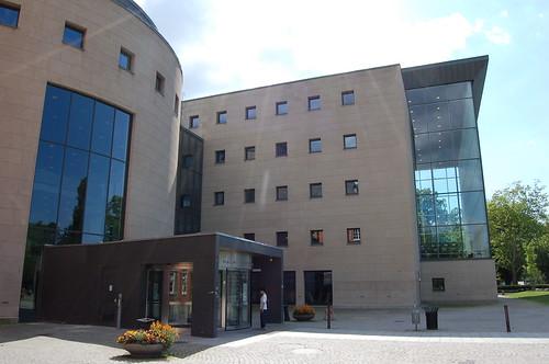図書館(横から)