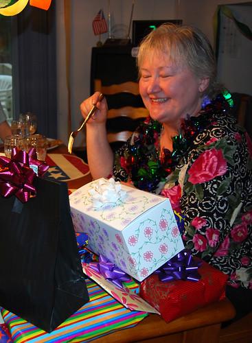 10-Mom Presents