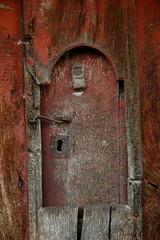 Ventanu na puerta la corte. (xoseambas) Tags: asturies