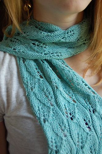 Lace leaf scarf (w/ Betty)