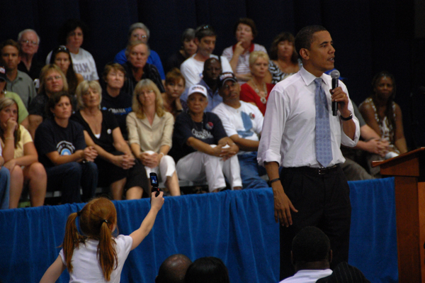 cell_phone_obama_0318