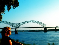 Day 365: Because I'm Awesome (barbarianheiress) Tags: mississippiriver 365 foshizzle imawesome 365days memphisarkansasbridge thesunsetwasfrigginamazingtoday hadtogodowntotheriver ithoughtishouldbealittlemoresubduedforthefinalshot sinceibareditallforfgr spentthedayworking whichhelpedmetoreflectonthisinsanitythatis365 idecidednottobesad ijustaccomplishedsomethingreallycool imnottryingtobecocky ijustfeelreallygoodaboutit imsurethatiwilldothisagainbecauseitwassomuchfun ijustneedalittlebreak illstillbearoundforfgr