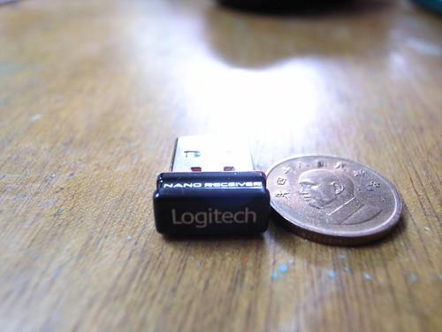 敗家:Logitech VX Nano無線雷射滑鼠:全球最小型USB接收器