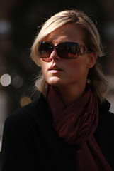 Lady shades (Pierre Mallien) Tags: wedding vacation urban en woman girl beauty lady canon mono photo nice flickr pretty belgique image candid stage explorer streetphotography babe explore agency mariage pour nowpublic gens photographe tous londonist streetphotographer photoderue relooking streetstyle streetphotograph meeffe photographiederue keure photographemariage streetblogger photographederue pitvanmeeffe nomadgallery stylehunter mallien pierremallien pierremallienphotographe modereportagereportage mariageeventsevenementielsagencemannequinorganisation evenementssocitjennyferconseil pitvanmeeffeandlookyouagency photodelarue rechercheunphotographemariage stagephotobelgique walloniestage lemeilleurphotographedemariagedebelgique