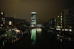 Frankfurt Westhafen 1 (N.Muehlenbeck) Tags: wasser frankfurt main westhafen leben nachtaufnahmen dergerippte