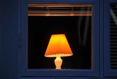 På kvällen (Walter Edler) Tags: lamp evening abend lampe mood sweden schweden lampa sverige värmland abendstimmung kväll hällefors hjulsjö örebrolän westmanland skimmning